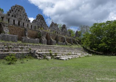 rundreise in yucatan- mexiko_ tempel_ruinen_pyramiden und cenoten